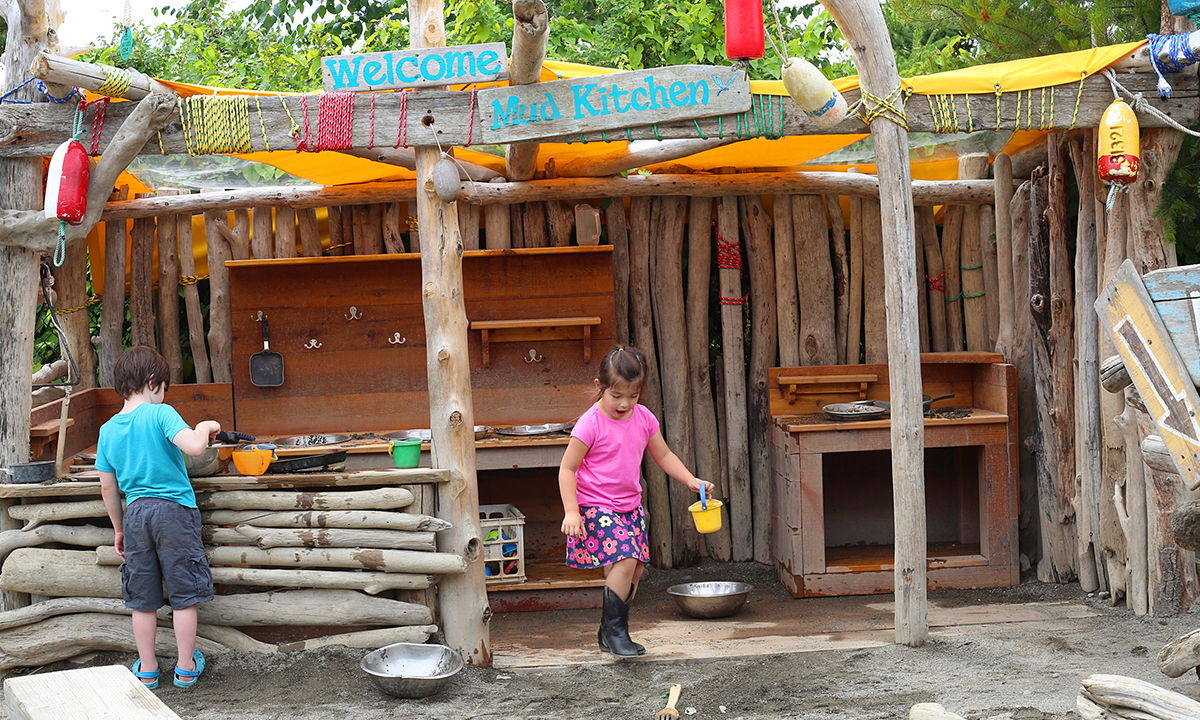 Kids playing in the Mud Kitchen on Puget Sound Beach